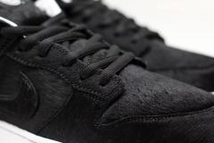 Nike_SB_Dunk_Low_bearbrick_02