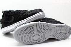 Nike_SB_Dunk_Low_bearbrick_08