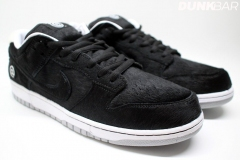Nike_SB_Dunk_Low_bearbrick_01