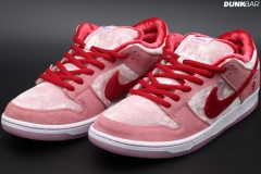 Nike_Dunk_Low_Strangelove_00