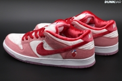 Nike_Dunk_Low_Strangelove_02